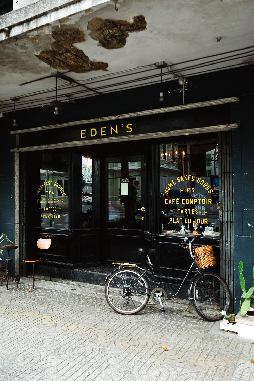 Eden's Café in the old town of Bangkok, Thailand | Mondomulia