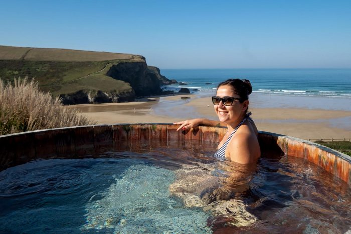 Hot tubs at The Scarlet Hotel in Mawgan Porth | A 5-day guide to beautiful Cornwall by Mondomulia