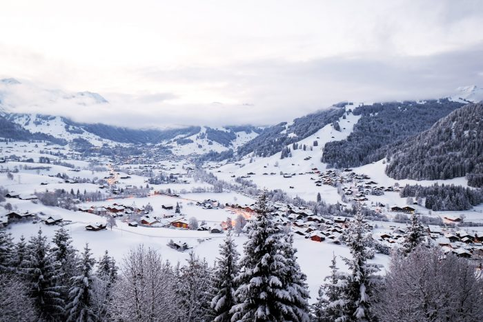 Gstaad has been a popular holiday destination for the high society and the international jet-set for over a century. The main street in the old town is dotted with high fashion stores, jewellers and luxury hotels.