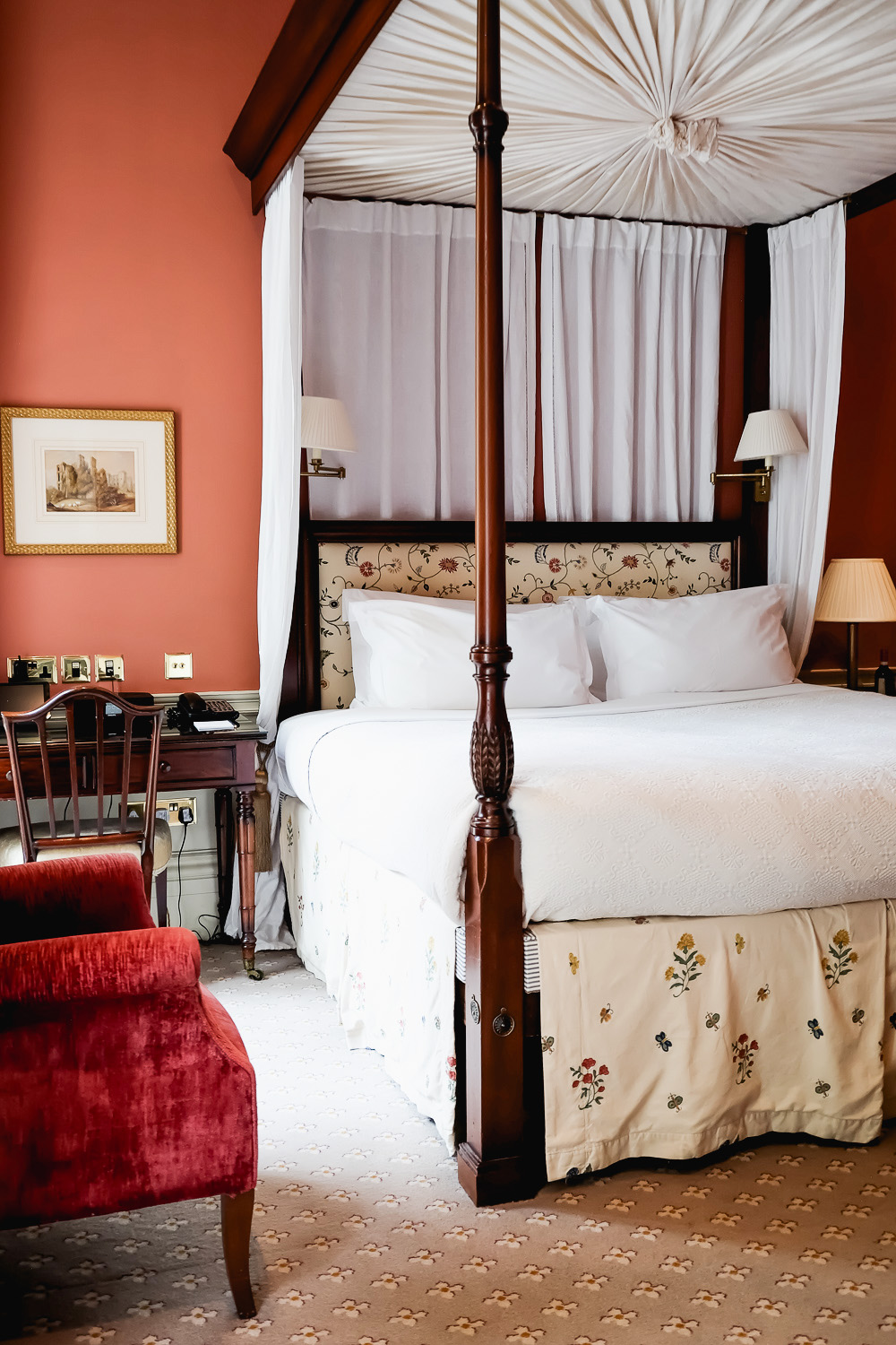 Junior Suite at Roseate House London, a luxury boutique hotel with 48 rooms and suites across three connecting Grade-II townhouses in Westbourne Terrace | Mondomulia