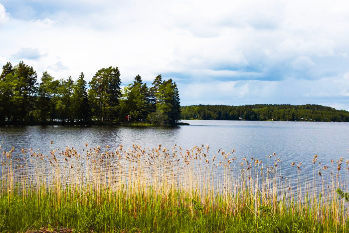 Värmland is home to Sweden's longest river, the Klarälven, and to 10,000 lakes which are scattered across a forested landscape. Places to visit on your first trip to Varmland in Sweden | Mondomulia