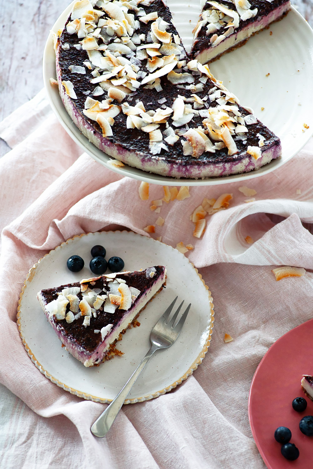 No-Bake Blueberry Cheesecake | Raw, vegan, paleo | Mondomulia