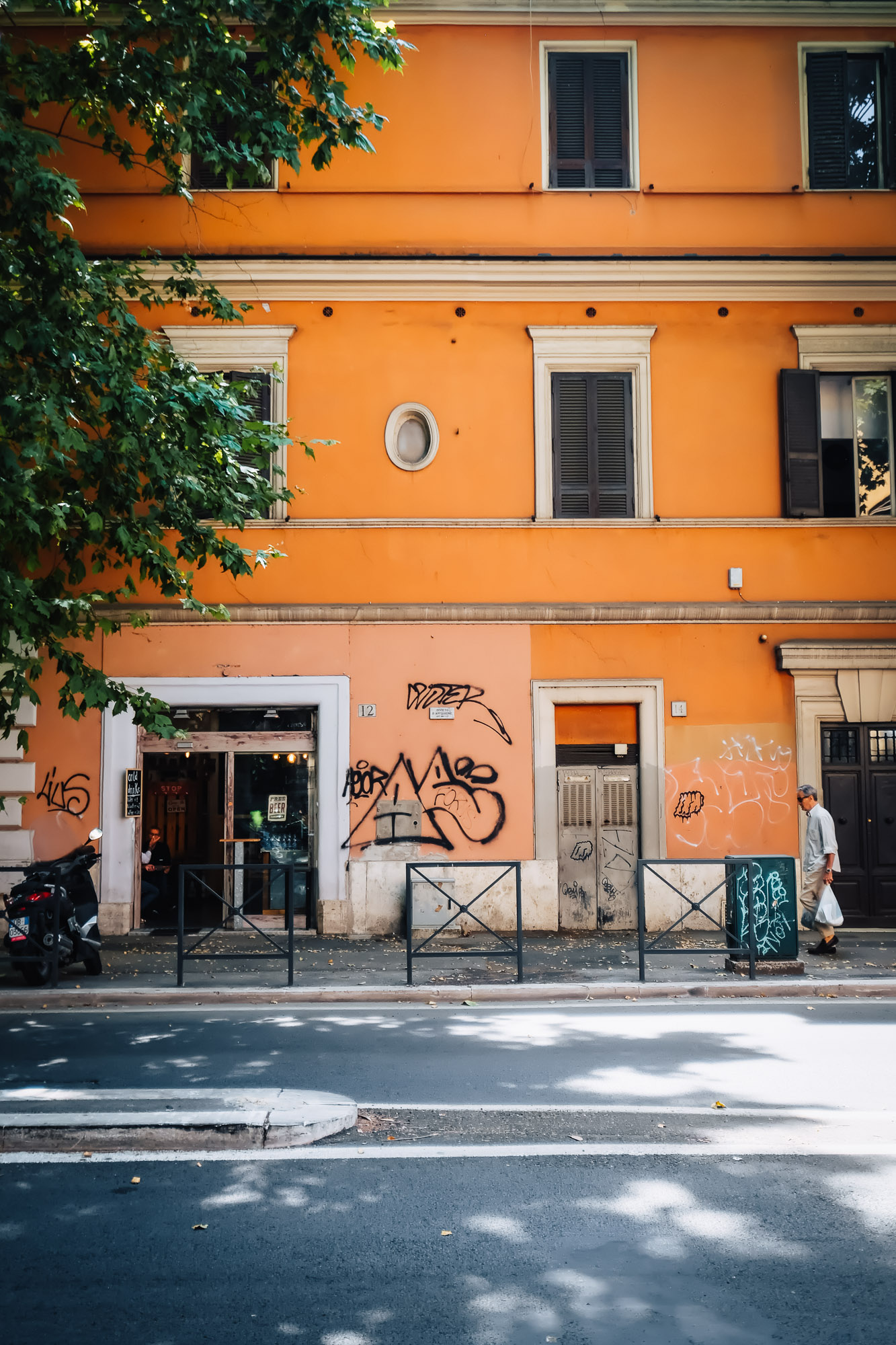 Testaccio Neighborhood Food and Market Tour in Rome with Devour Tours | Mondomulia