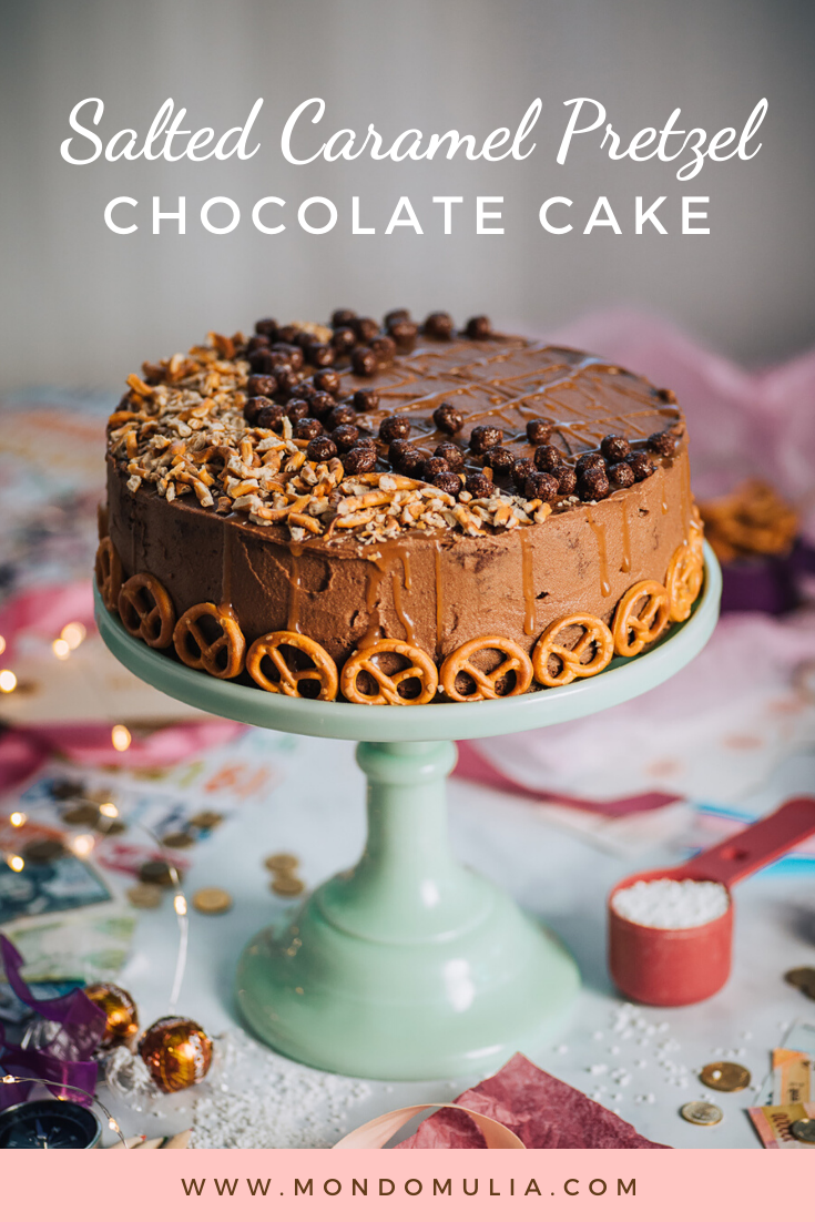 Salted caramel pretzel chocolate cake with chocolate buttercream icing | Mondomulia