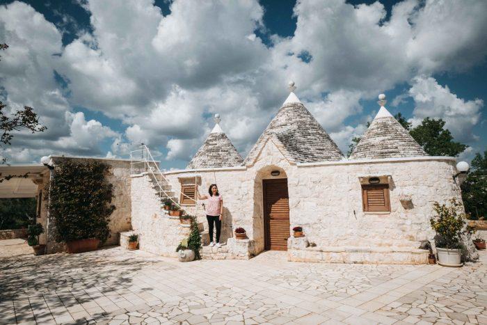 A traditional trullo in Valle d'Itria in Puglia, southern Italy | Mondomulia