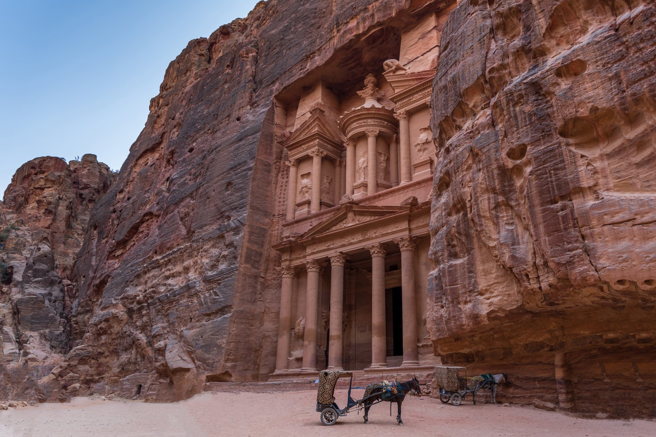Petra, Jordan | Photo by Abdullah Ghatasheh from Pexels | Why Visiting Jordan Should Be On Your Bucket List | Mondomulia