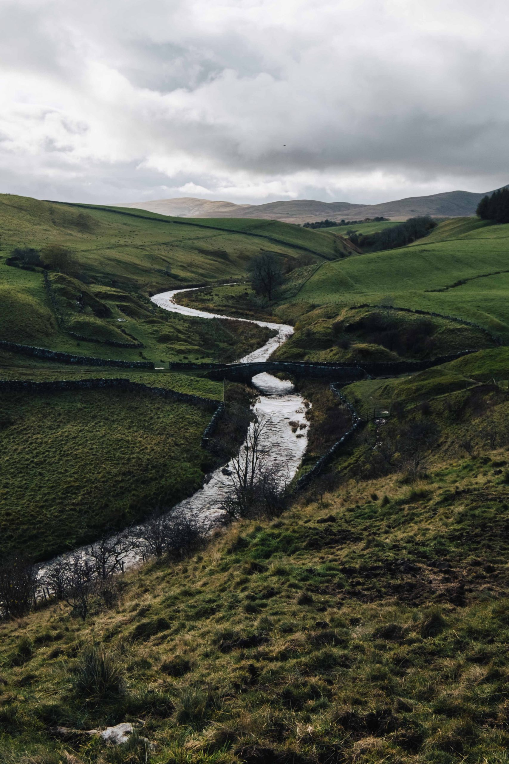 The quiet hills of Howgill Fells at the border of Cumbria and Yorkshire Dales, north west England | Mondomulia