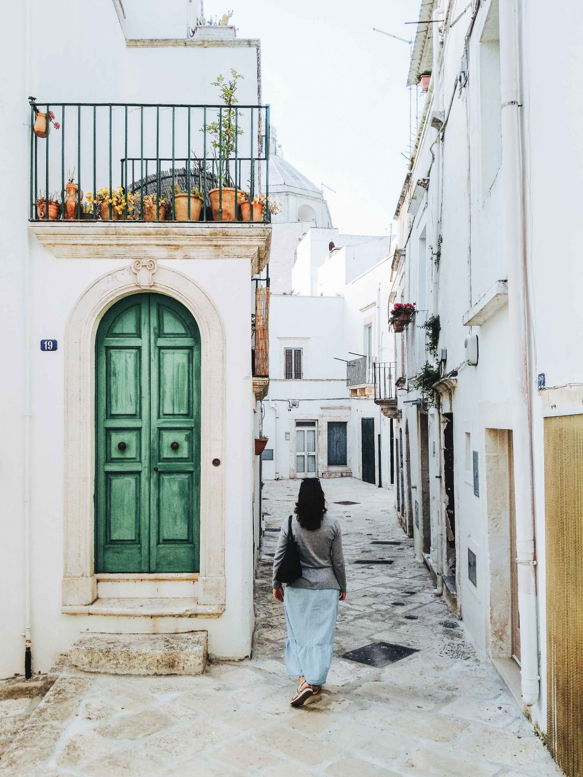 The old quarter of Martina Franca with winding alleys and white washed buildings | Valle d'Itria | A 7-day Road Trip Through Puglia | Mondomulia