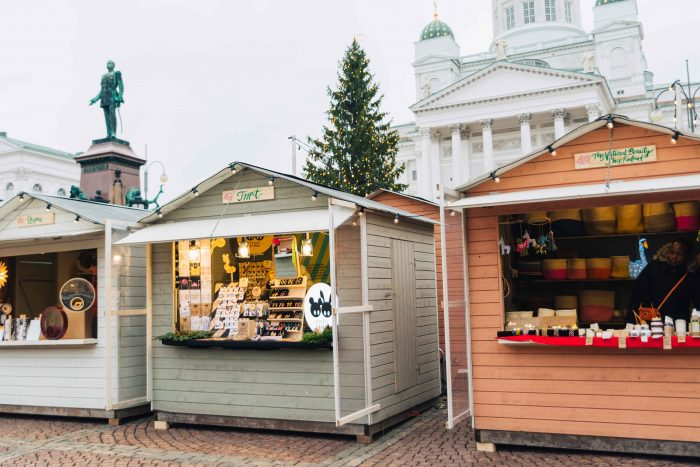 Christmas Market in Senate Square, Helsinki | What to do in Helsinki in winter by Mondomulia