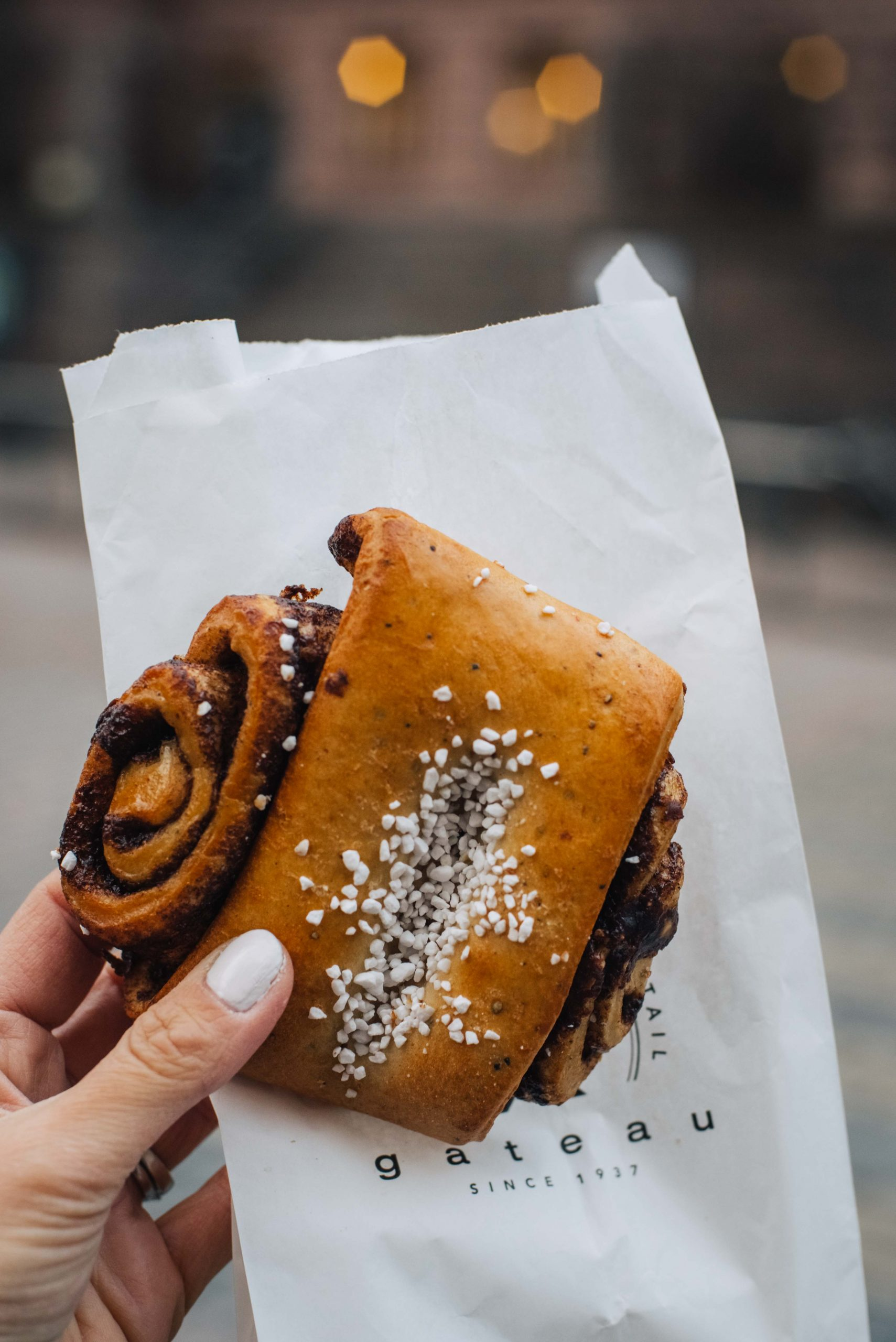 Korvapuusti (cinnamon roll) from Gateau bakery in Helsinki | What to do in Helsinki in winter by Mondomulia