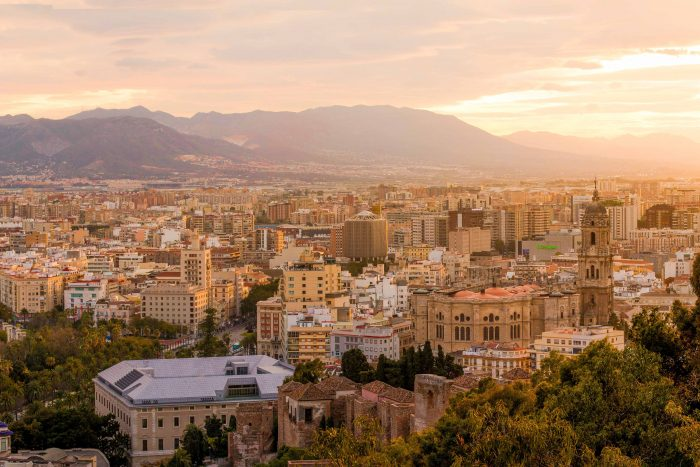 The city centre of Malaga, Costa del Sol (Andalucia, Spain) at sunset | How to spend a weekend in Malaga by Mondomulia