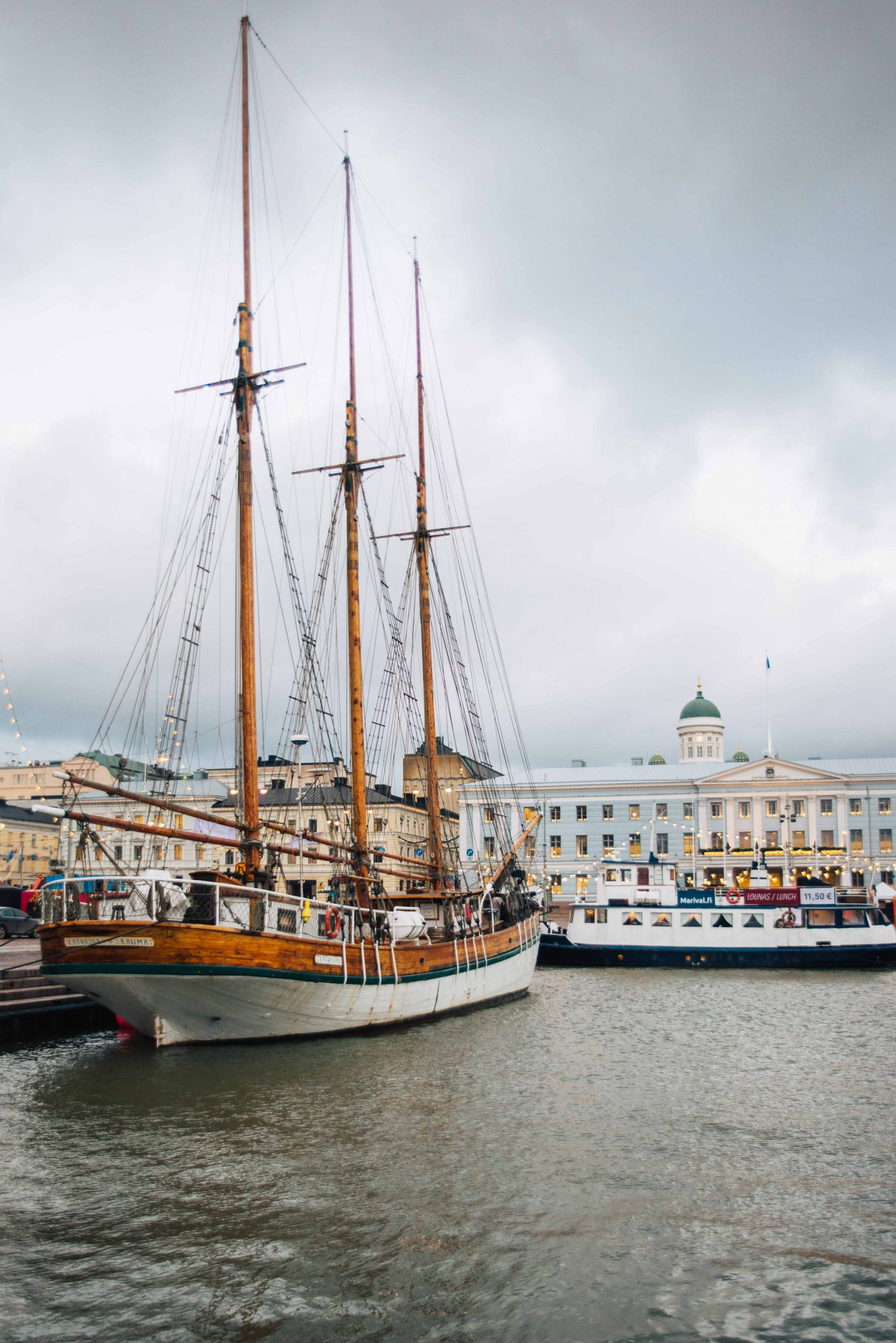 The harbour in Helsinki | What to do in Helsinki in winter by Mondomulia