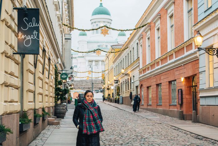 The streets of Torikorttelit leading to Senate Square and Helsinki Cathedral | A Foodie, Art and Coffee Lovers Guide to the Top Activities To Do in Helsinki in Winter | #mondomulia