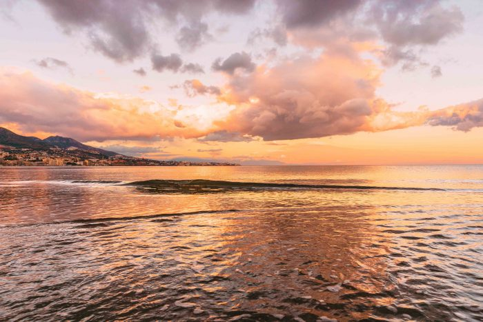 "Sunset by the beach in Malaga, Spain | ""How to spend a weekend in Málaga"" Guide #mondomulia"