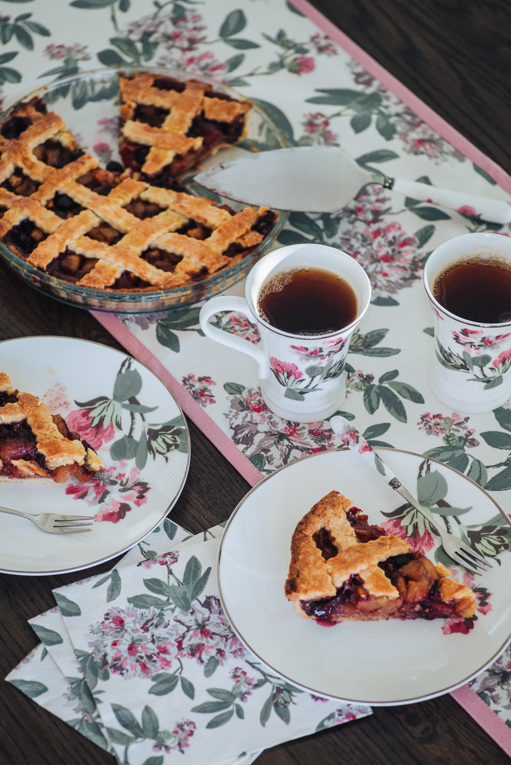 Apple and Blueberry Pie recipe with an Italian crostata style pastry crust