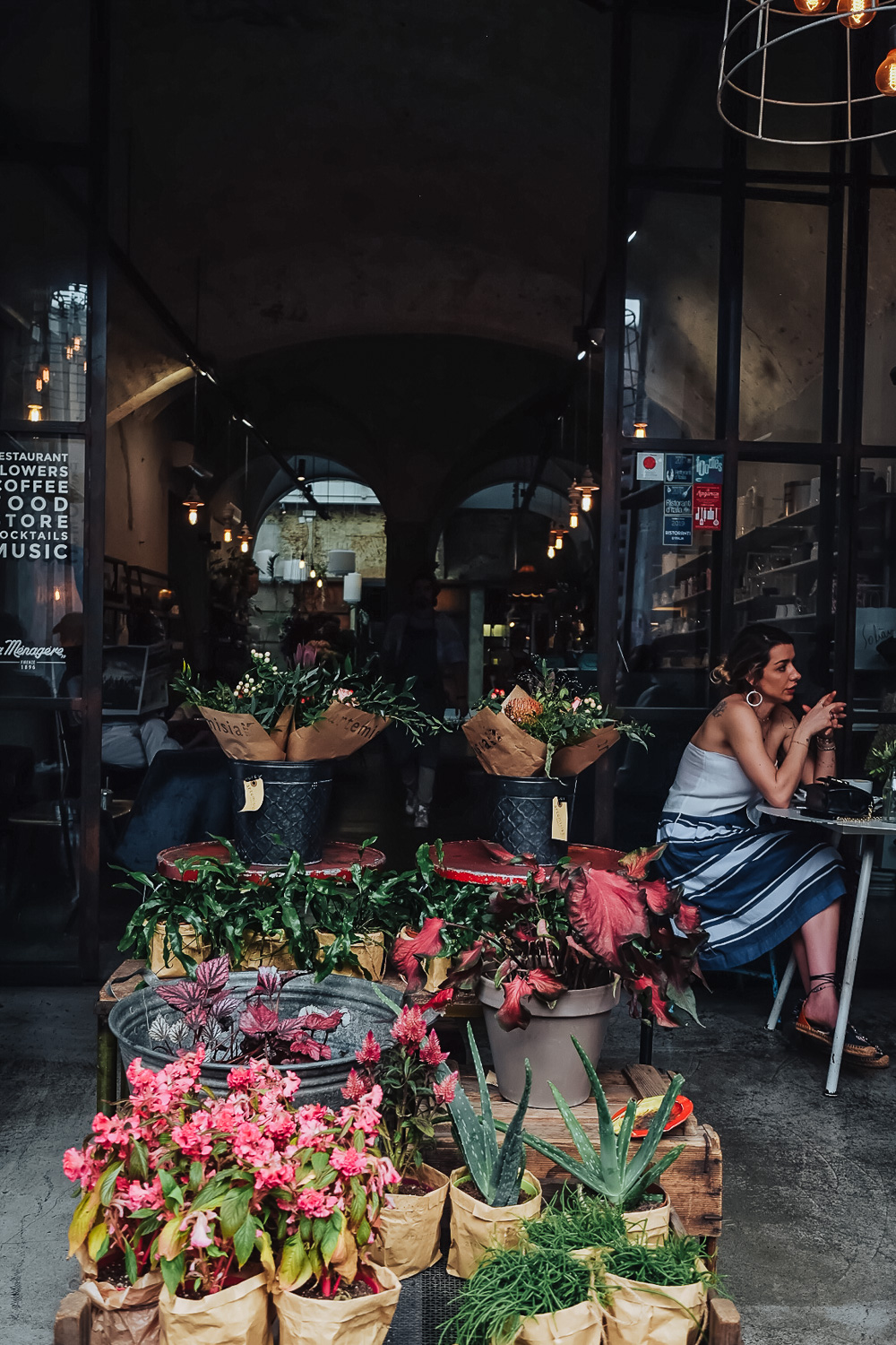 La Ménagère bar, restaurant and florist shop | How to Spend 48 Hours in Florence | Tuscany, Italy | Mondomulia