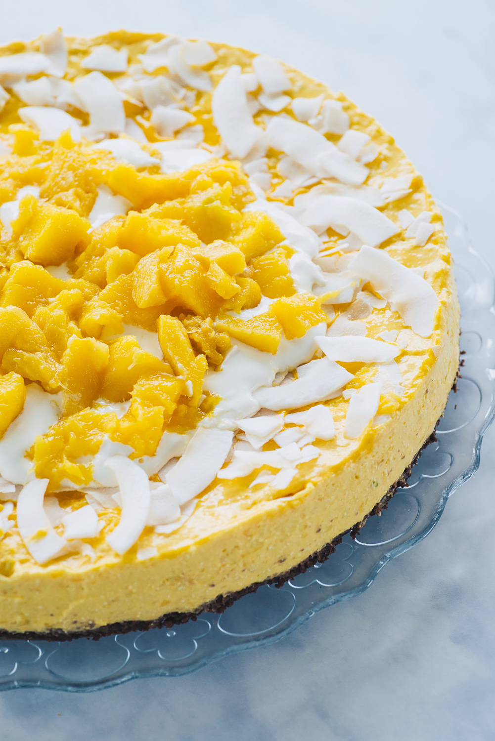 A recipe for a tasty and fresh No Bake Mango Cheesecake that you can make with canned mango pulp | Mondomulia Blog
