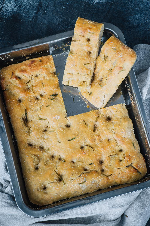 Focaccia Bread with Sourdough Discard | Recipe by Mondomulia