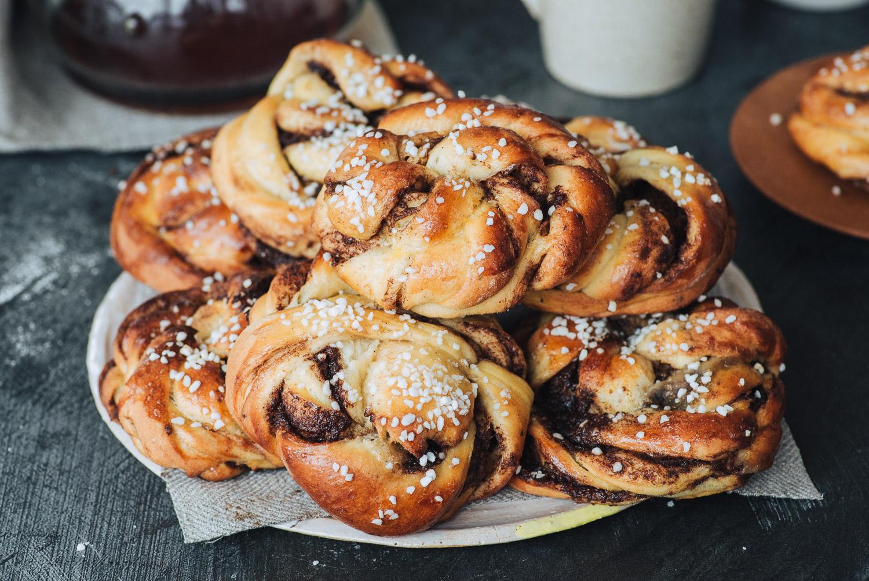 Swedish style twisted cinnamon bun recipe