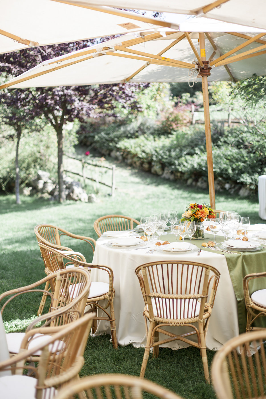 Wedding reception in a farmhouse outside Rome in the countryside