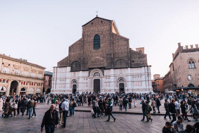 Cattedrale di San Pietro a Bologna | Six Beautiful Places you Must Visit in Emilia Romagna | Mondomulia