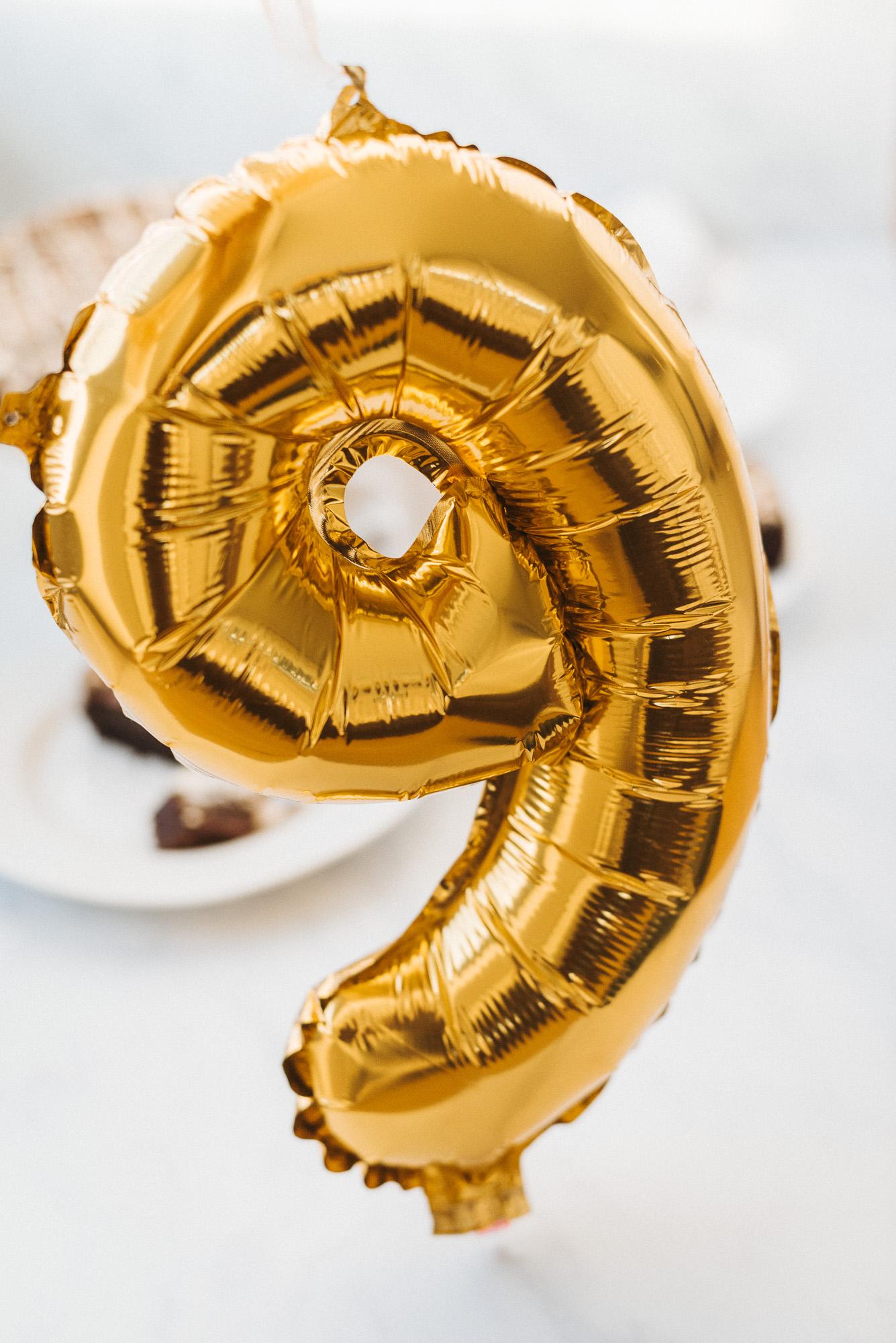 9 birthday balloon gold