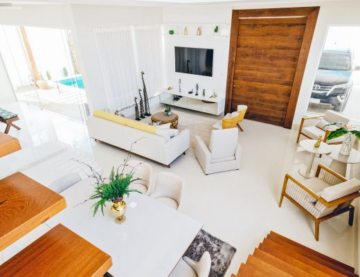 Home design: modern interiors with white and wood furniture