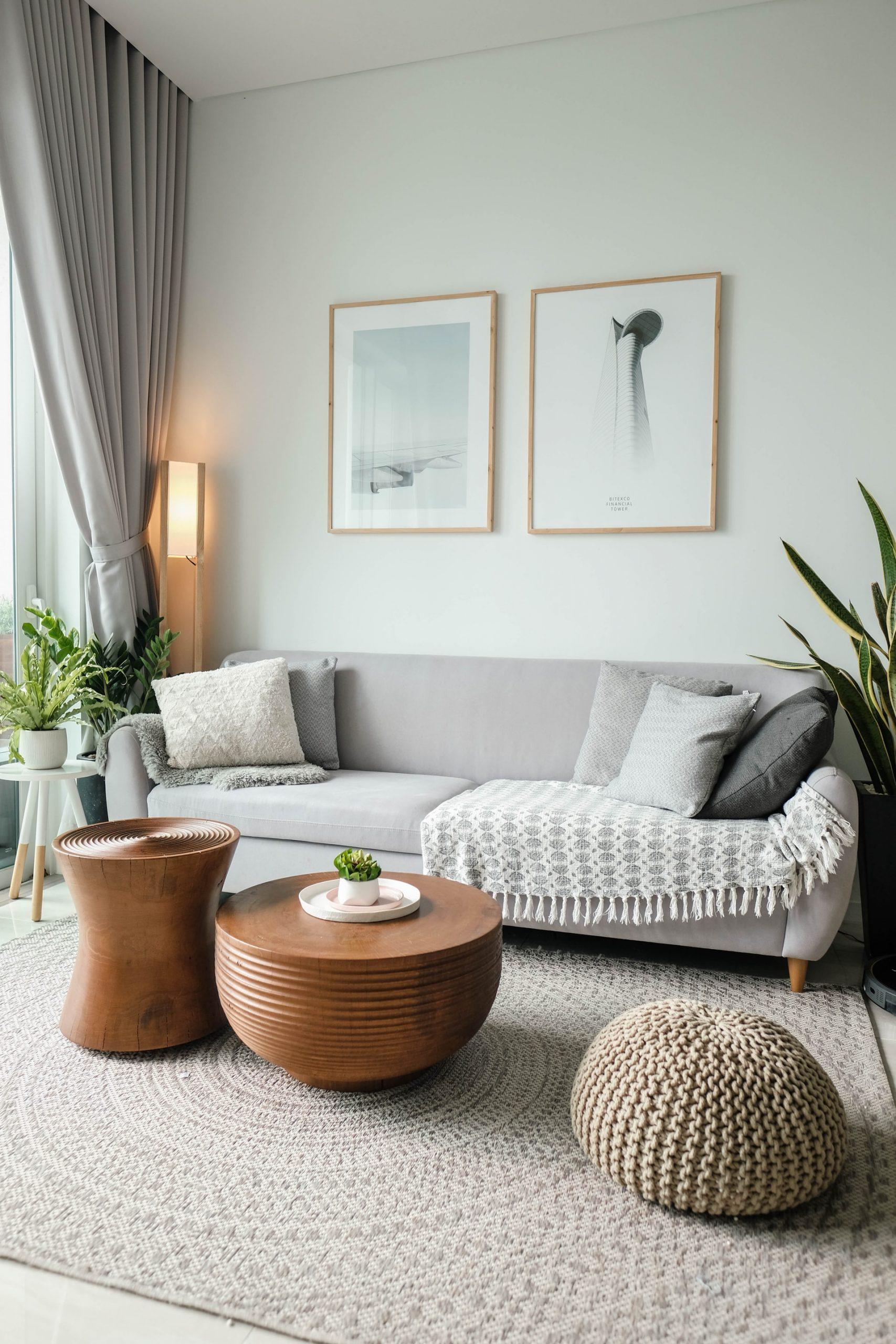 Bright, minimalist and cosy living room decor